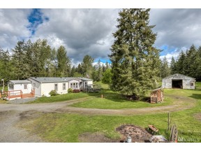Property for sale at 613 354th St E, Roy,  WA 98580