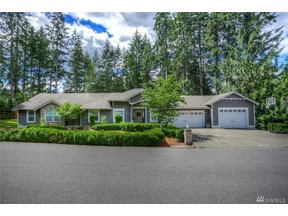 Property for sale at 31 E Lakeland Wy, Allyn,  WA 98524